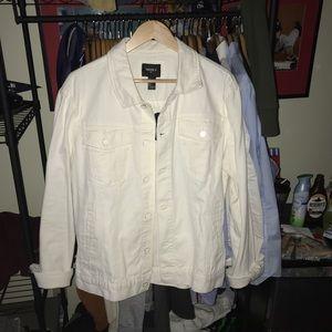 Other - White denim jacket